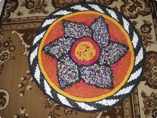 Вязание крючком: Чудо-коврики. Материал бросовый. Фото 1
