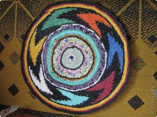 Вязание крючком: Чудо-коврики. Материал бросовый. Фото 4