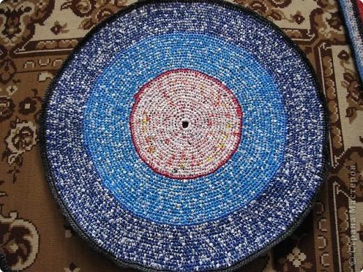 Вязание крючком: Чудо-коврики. Материал бросовый. Фото 8