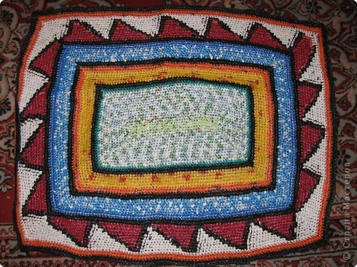 Вязание крючком: Чудо-коврики. Материал бросовый. Фото 9