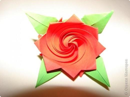 Очень интересная роза-оригами,