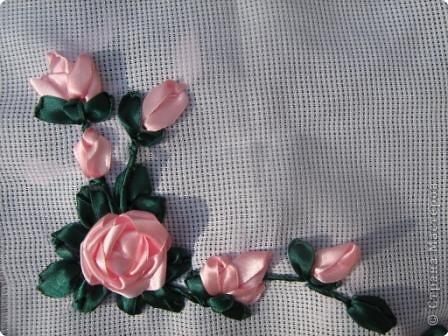 Вышивка: Розы.Вышивка атласными лентами