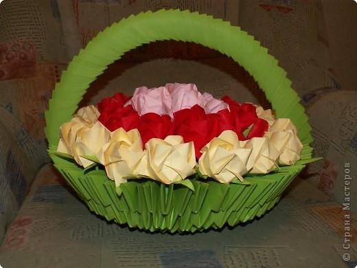 """Оригами модульное: Корзина роз  """"Для любимой """" Бумага.  Фото 2."""