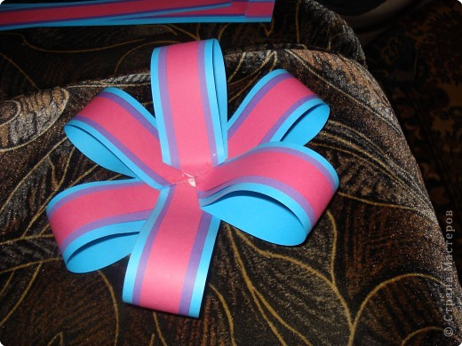 Вырезание: Бантик для украшения подарка