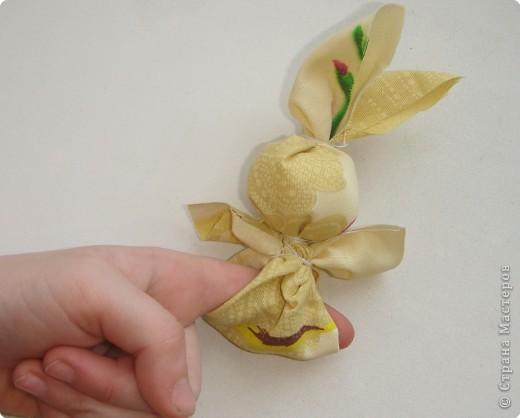 Как сделать поделку зайчик на пальчик