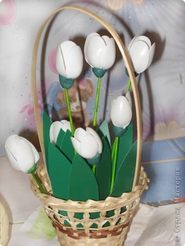 Тюльпаны из пластиковых ложек своими руками