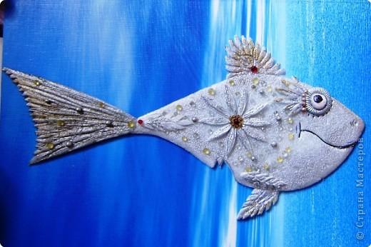 Поделка Вырезание: Гламурная акула) Материал бросовый