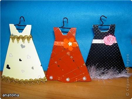 Открытка Аппликация: Открытки-платья Бумага 8 марта. Фото 1