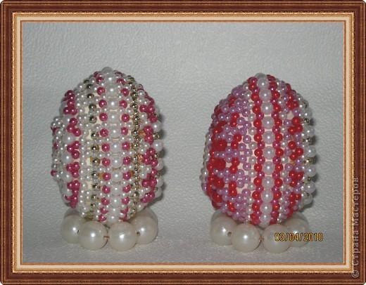 Бисероплетение: Яйца оплетенные бисером Бусинки Пасха.  Фото 2.