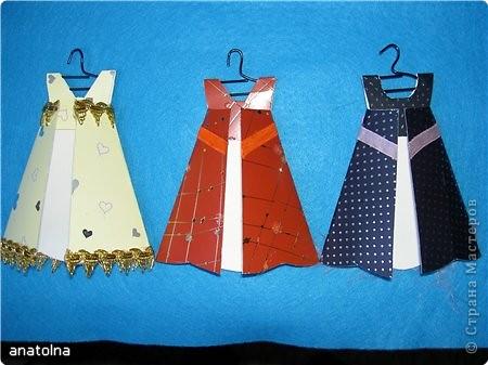 Открытка Аппликация: Открытки-платья Бумага 8 марта. Фото 2