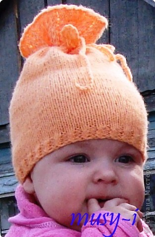Вязаная летняя шапочка для девочки