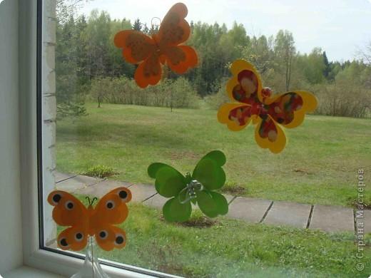 Поделка, изделие Аппликация, Вырезание: Бабочки по одному трафарету. Бумага, Картон, Ленты, Проволока. Фото 1