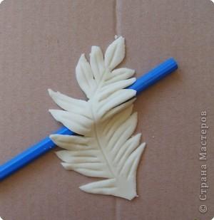 Мастер-класс Лепка: МК.листочек для оформления букета в моих картинах Тесто соленое. Фото 7