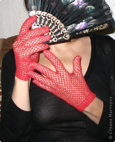 Гардероб Вязание крючком: Ажурные перчатки Нитки.