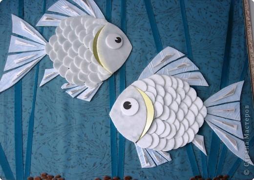 Поделка, изделие Аппликация: Рыбки Материал бросовый