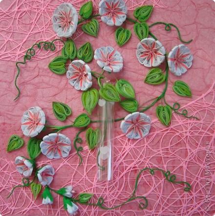 Как сделать цветок из бумаги с бисером