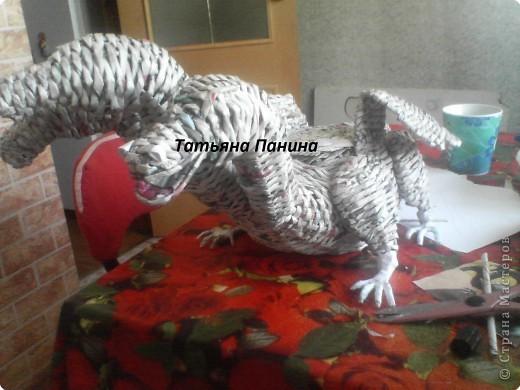 Мастер-класс Плетение: МК Змея Горыныча Бумага газетная.  Фото 8.