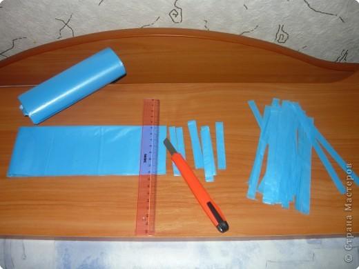 Поделка, изделие Вязание крючком: Сумочка из мусорных пакетов Материал.