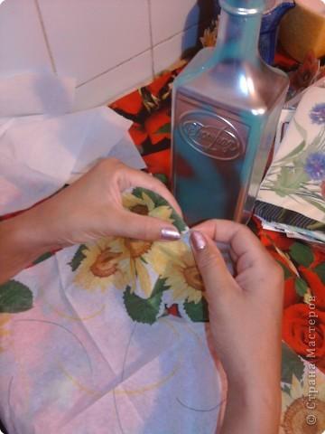 Декупаж: Декоративная бутылка. Фото 5