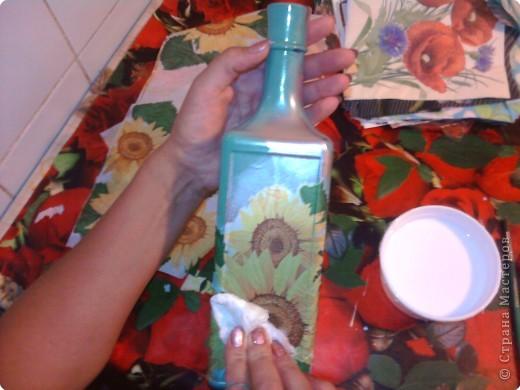 Декупаж: Декоративная бутылка. Фото 7
