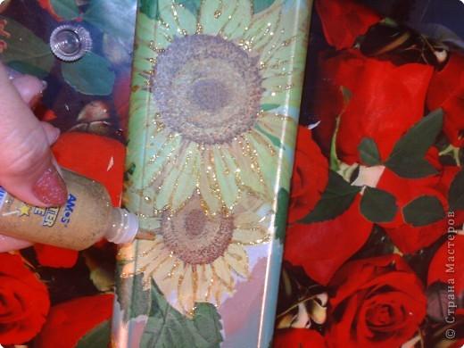 Декупаж: Декоративная бутылка. Фото 9