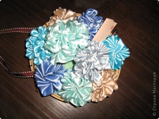 Поделка, изделие, Шитьё, : Атласные цветы Ленты, Поролон, Ткань...
