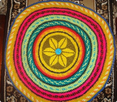 Вязание спицами круглых ковриков лепестками 62