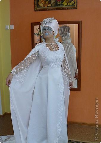 Снежная королева костюм из подручных материалов