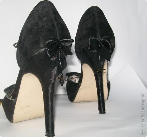 хорошие туфли только вот незадача, поцарапались каблуки об офисное кресло (думаю это не только у меня происходит). Фото 13