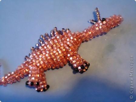 Антошкин динозавр. Бисер.