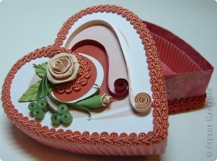 Декор предметов Квиллинг: шкатулки сердечки Картон, Ленты, Бумажные полосы Валентинов день. Фото 5