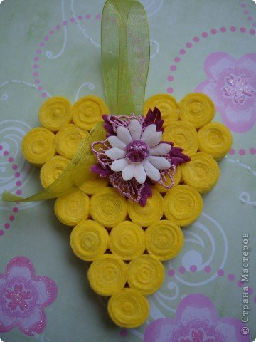 Здравствуйте мои любимые читатели, сейчас мы вместе в разделе научимся делать цветы из салфеток своими руками