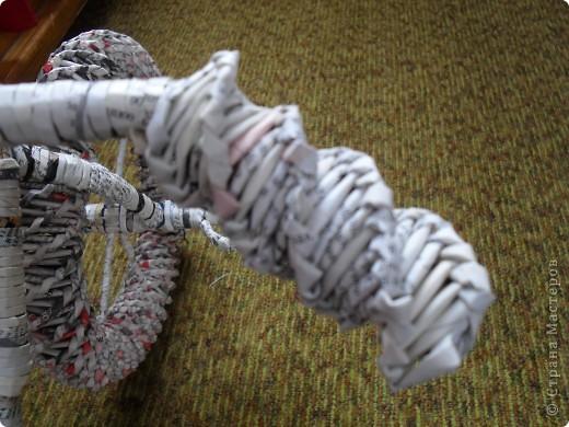 Мастер-класс,  Моделирование, Плетение, : Велосипед газетный.Часть 3.Красим Бумага газетная, Клей, Краска . Фото 3