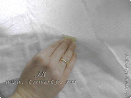 Мастер-класс, Поделка, изделие Батик: Мастер-класс цветы из ткани.   Белая роза без специальных инструментов.  Гофрированная.   Бисер, Бумага газетная, Бумага гофрированная, Карандаш, Картон, Клей, Нитки, Проволока, Ткань 8 марта, Выпускной, День рождения, Отдых, Свадьба. Фото 14