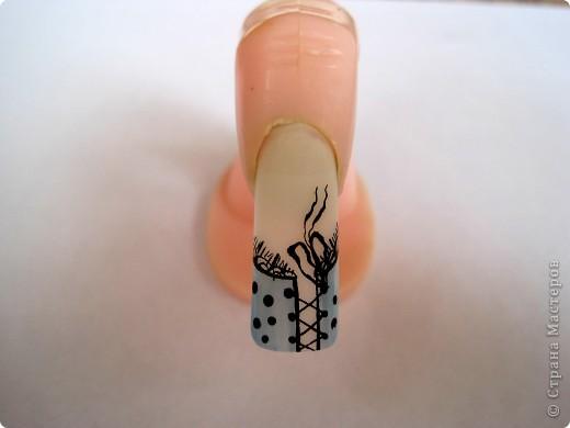 Как нарисовать бантик на ногтях пошагово