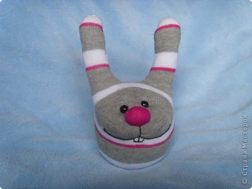 Игрушка Шитьё: Заяц из носка Носки.  Фото 2.