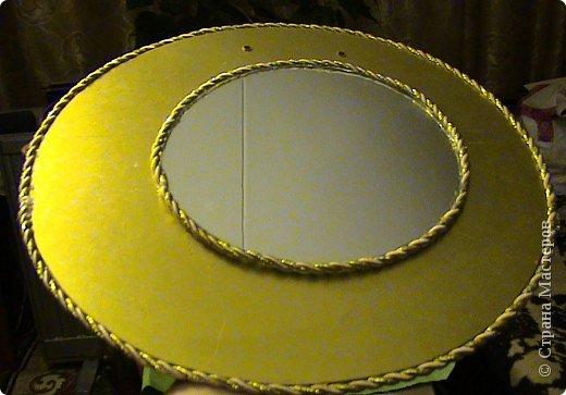 Захотелось сделать вещь не только красивую, но и функциональную. Диаметр круга 30 см, а диаметр самого зеркала 18 см.. Фото 10