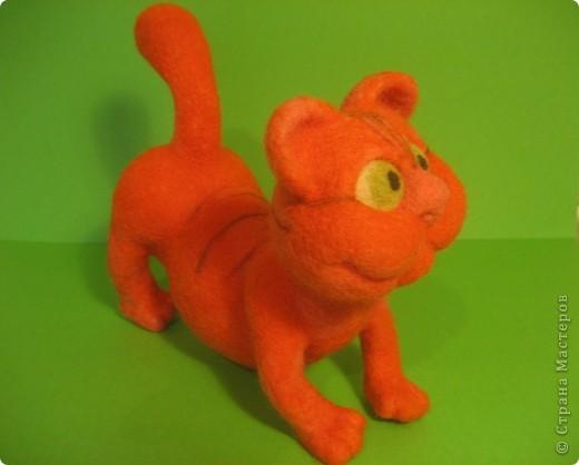 """Игрушка из валяной шерсти  """"Кот """"-4. Интернет магазин вещей из шерсти."""