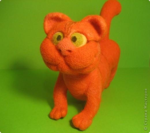 """Игрушка из валяной шерсти  """"Кот """"-3. Интернет магазин вещей из шерсти."""