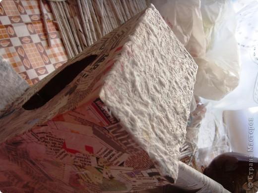 Мастер-класс, Поделка, изделие Декупаж: Салфетница или как я использовала белые слои от салфеток. Бумага газетная, Коробки, Материал бросовый, Салфетки, Скорлупа яичная Дебют. Фото 8