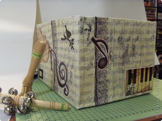 Скрапбукинг Аппликация: Коробка для музыкальных инструментов.  Бумага. Фото 6