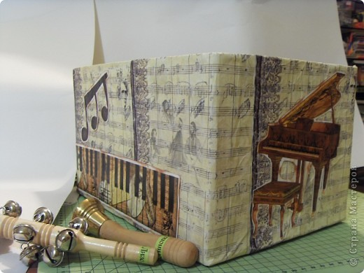 Скрапбукинг Аппликация: Коробка для музыкальных инструментов.  Бумага. Фото 7