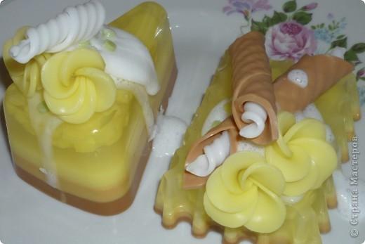 Мастер-класс Мыловарение: МК Ананасовые пирожные из мыла Мыло. Фото 1