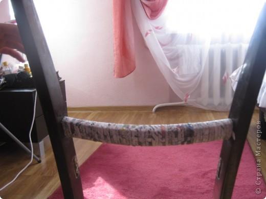 Мастер-класс Плетение: вешалка из старого стула Бумага газетная. Фото 3