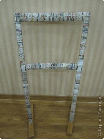 Мастер-класс Плетение: вешалка из старого стула Бумага газетная. Фото 6