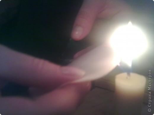 Сестра попросила что нибудь сделать с настольной лампой.Плафон от лампы ей разбили детишки, а лампу выкидывать жалко как память.Ну я поискав в интернете нашла интересную картинку и решила воплотить ее в реальность.И вот что у меня получилось.Теперь я делюсь и с вами!. Фото 5