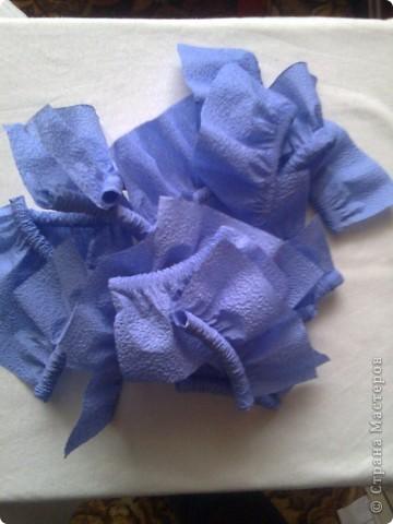 Мастер-класс Гофротрубочки: изготовление букетов из салфеток Салфетки. Фото 6