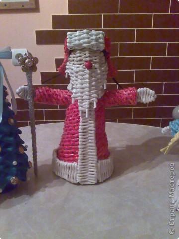 Мастер-класс Плетение: Дед Мороз в шапке Печкина Бумага газетная Новый год. Фото 1