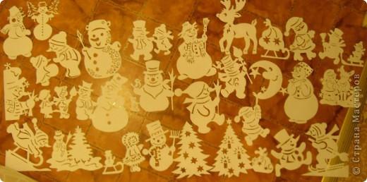 Коллективная работа, Открытка, Украшение Вырезание, Вырезание силуэтное, Вытынанка: Снеговиков... вагон и маленькая тележка (с шаблонами).... Бумага Новый год. Фото 1