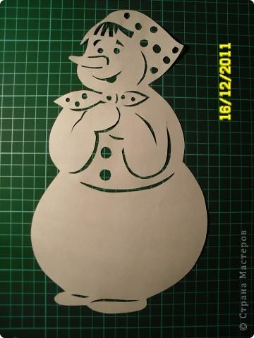 Коллективная работа, Открытка, Украшение Вырезание, Вырезание силуэтное, Вытынанка: Снеговиков... вагон и маленькая тележка (с шаблонами).... Бумага Новый год. Фото 2